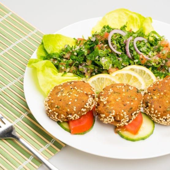 9-falafel-cu-tabbouleh-555x555-min