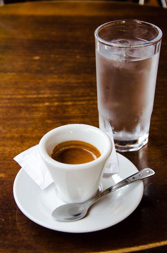 Cafea si apa-min