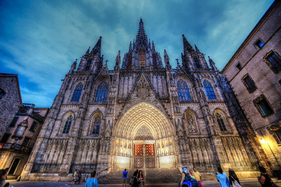 Barcelona Sagrada Familia-min