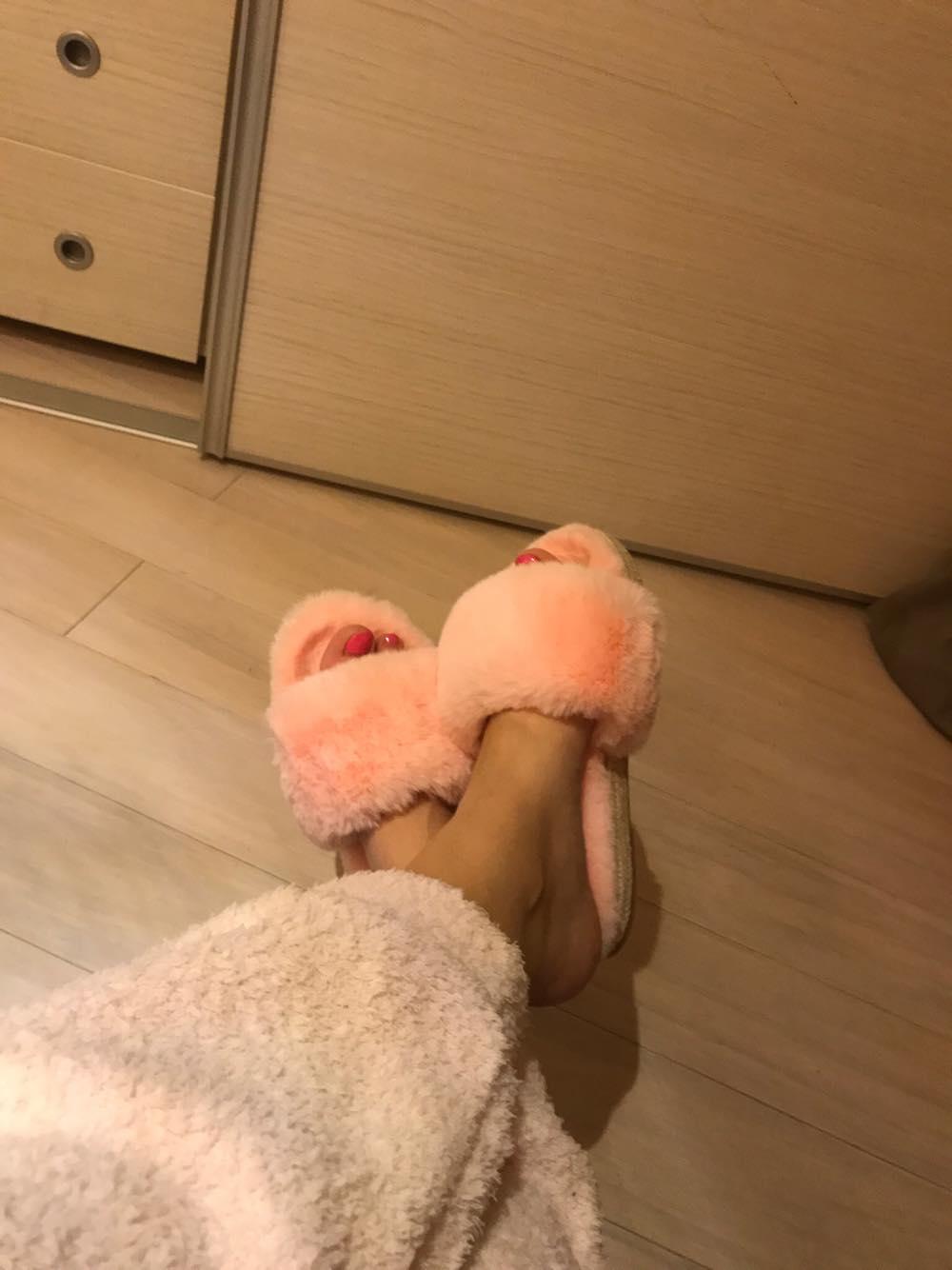 Papuci roz-min